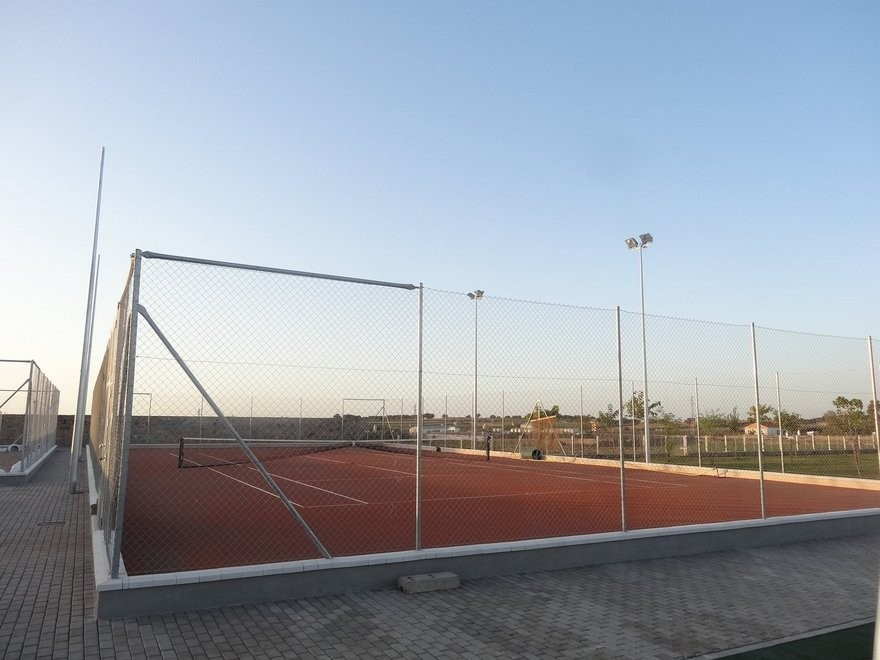 2014 Construcción de campo Vóley Playa y una pista de Tenis de Tierra Batida en Córdoba