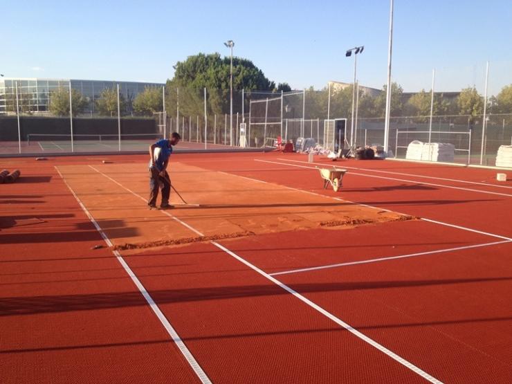 construccion pista tenis moqueta clay tech celabasa