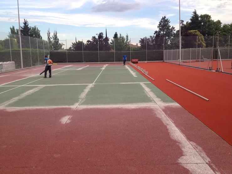 construccion pista tenis moqueta celabasa