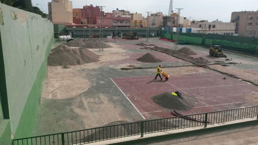 transformacion pistas de tenis de cemento a tierra batida Celabasa