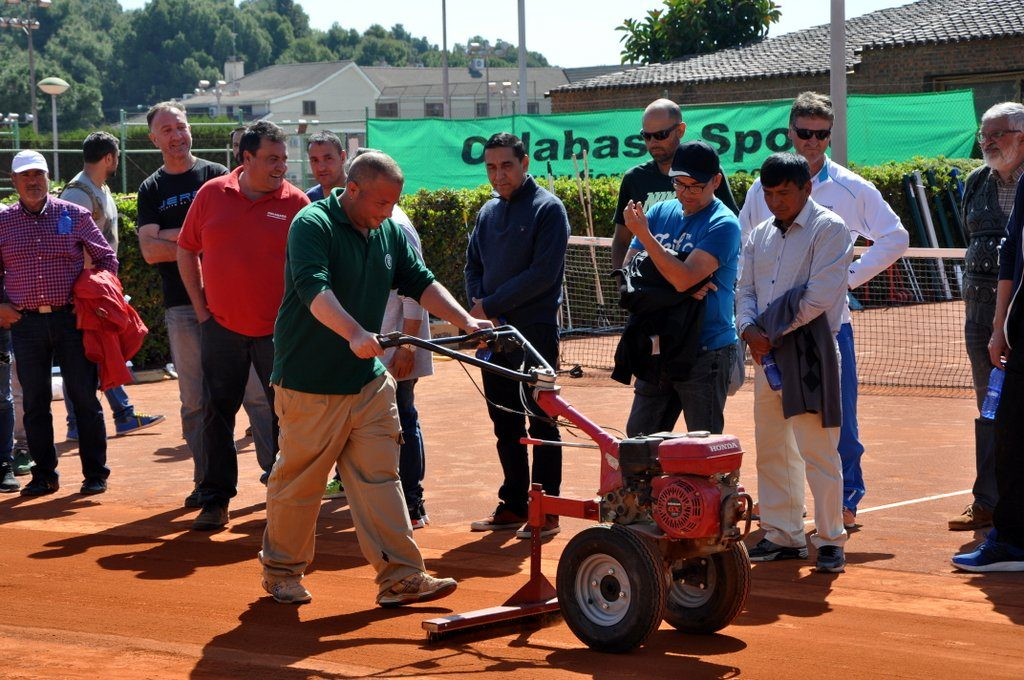 curso-reparacion-mantenimiento-pistas-tenis-tierra-batida-celabasa