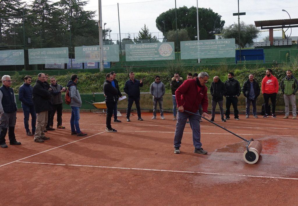 curso-reparacion-mantenimiento-pista-tenis-tierra-batida-celabasa