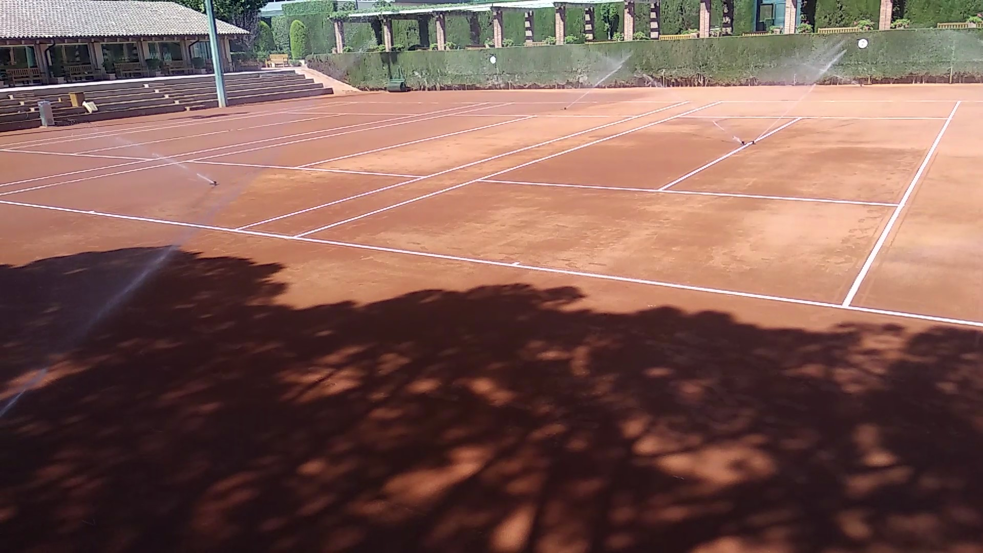 riego-aspersion-pistas-real club tenis barcelona-celabasa